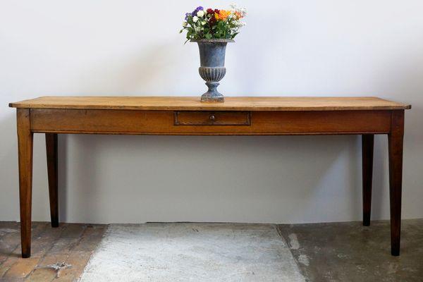 Tavolo da taverna antico con ripiano in acero francia in vendita su