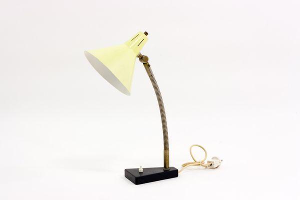 Lampe de bureau jaune par busquet pour hala s en vente sur pamono