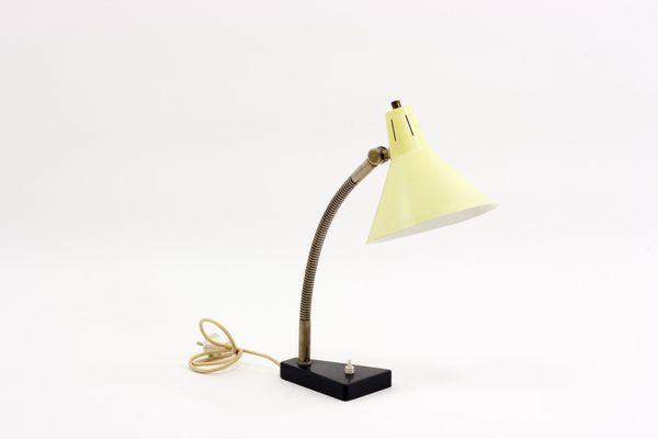 Lampe de bureau jaune par busquet pour hala 1950s en vente sur pamono
