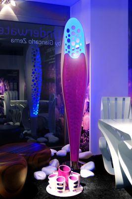 Lámpara de pie LED Octopus de Corian de Giancarlo Zema