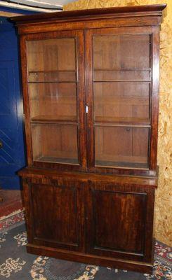 Libreria in mogano con parte superiore a vetrina, anni \'20 in ...