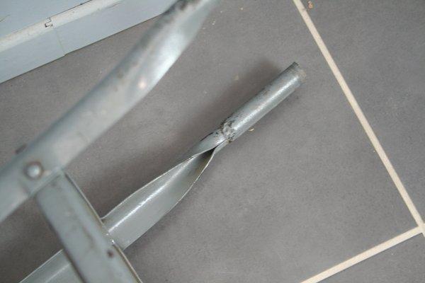 Sgabello industriale in metallo anni in vendita su pamono