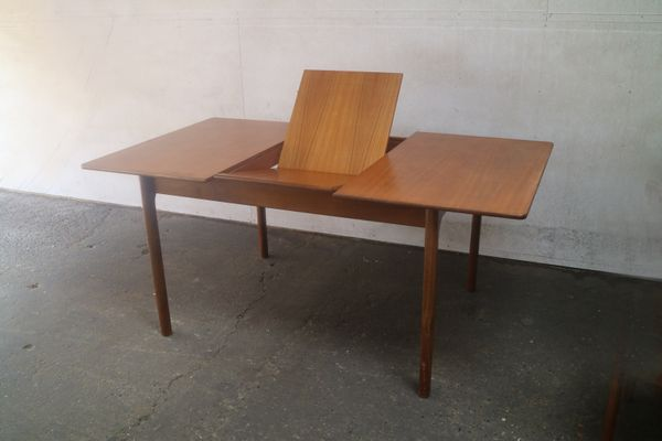 Mid Century Modern Extending Dining Table From Mcintosh 3