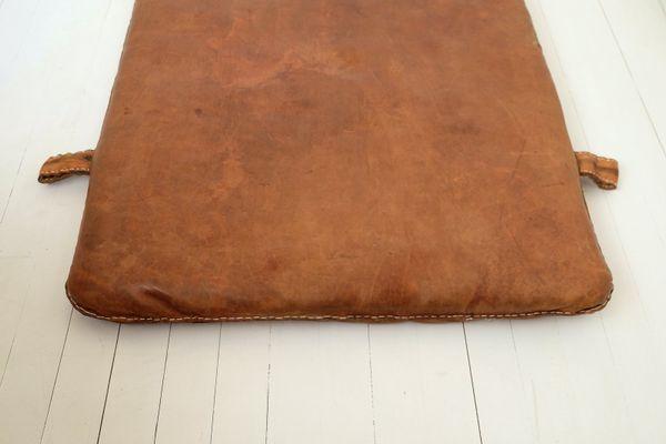 b6a54308bee793 Tappetino da palestra vintage in pelle in vendita su Pamono