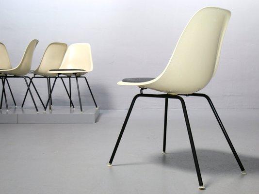 5eb11464ed5 Chaise d Appoint Vintage en Fibre de Verre par Charles   Ray Eames pour  Vitra