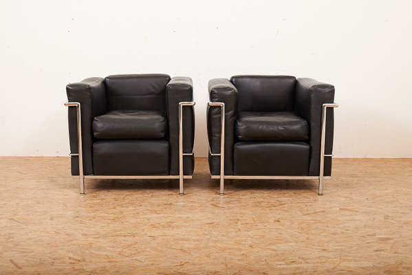 Vintage LC2 Lounge Chairs By Le Corbusier U0026 Charlotte Perriand For Cassina,  ...
