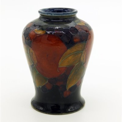 Pomegranate Vase By William Moorcroft 1910s For Sale At Pamono