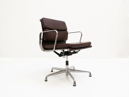 Vitra Chalres Eames : Ea soft pad chair von charles ray eames für vitra bei pamono