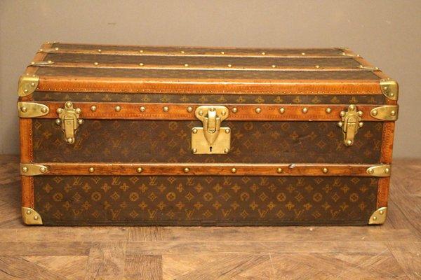 acf69b9a7782 Malle de Voyage Monogram Steamer Vintage de Louis Vuitton, 1930s en ...