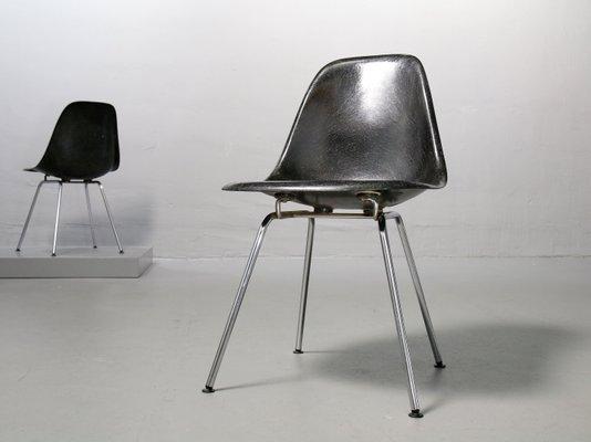 Attrayant Chaise Du0027Appoint Vintage En Fibre De Verre Noire Par Charles U0026 Ray Eames  Pour