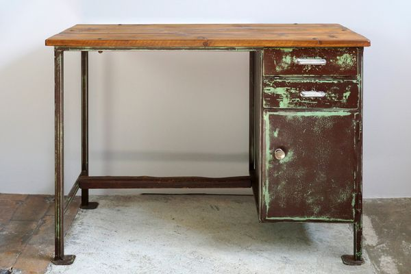 Vintage Industrial Desk, 1930s 1 - Vintage Industrial Desk, 1930s For Sale At Pamono