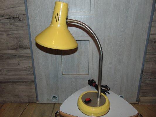 Lampe de bureau jaune pologne s en vente sur pamono