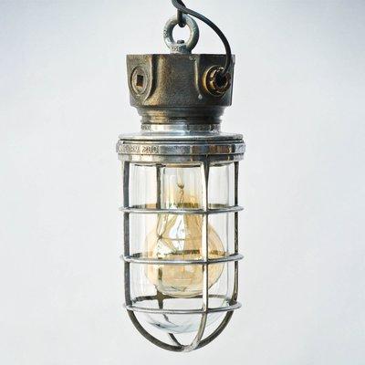 Industrielle feuerfeste Mid Century Lampe bei Pamono kaufen