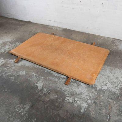 79444dd688abb9 Tappetino da palestra vintage in pelle, anni '30 in vendita su Pamono