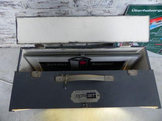 Boîte Lumineuse Trafic Opticart Mid-Century de Carl Weigang en vente ...