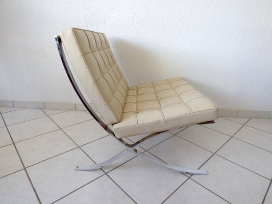 Barcelona Chair By Ludwig Mies Van Der Rohe For Knoll 1980s For