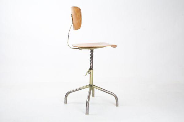 Sedia girevole da disegno di walter anni 60 in vendita su pamono