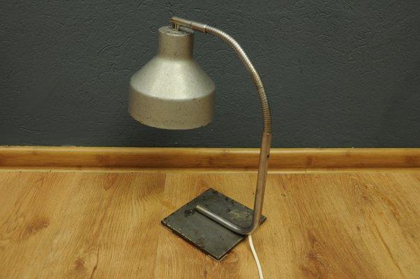 Lampada Vintage Industriale : Lampada da tavolo vintage industriale in vendita su pamono