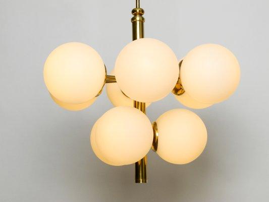 Lampada da soffitto vintage in ottone con paralumi in vetro