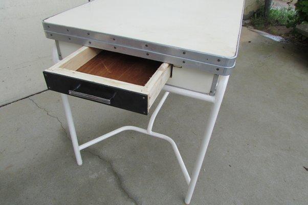 Tavolo da cucina tubolare allungabile in formica, anni \'50