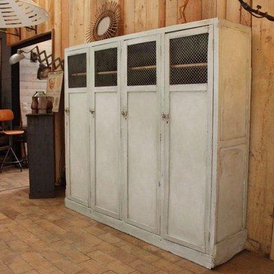 Armadio vintage industriale in legno con mensole e quattro ante in ...