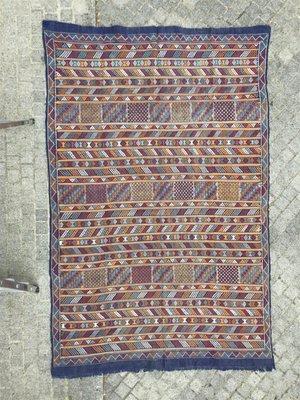 Tapis Kilim Berbere Vintage Tisse A La Main Maroc En Vente Sur Pamono
