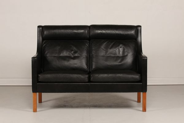 Model 2432 Black Leather Sofa with Oak Legs by Børge Mogensen for  Fredericia, 1960s