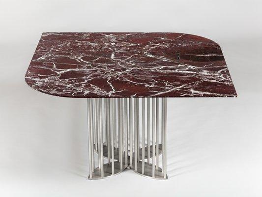 Incroyable Table De Salle à Manger Naiad En Marbre Rosso Levanto Et Acier Inoxydable  Par Naz