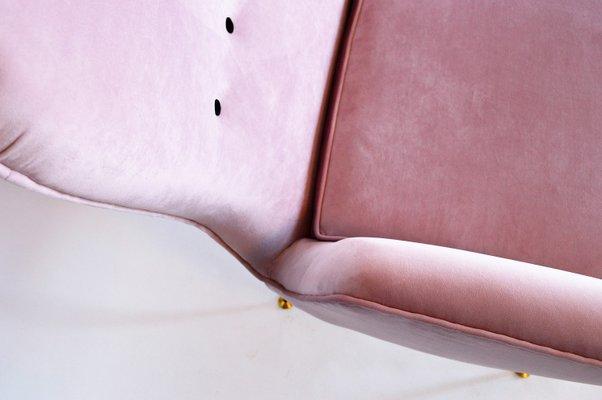 Divano Maria Rosa : Divano mid century in velluto rosa italia in vendita su pamono