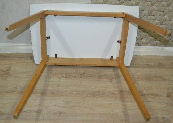 Tavoli Da Cucina In Legno : Tavolo da cucina piccolo in legno anni in vendita su pamono