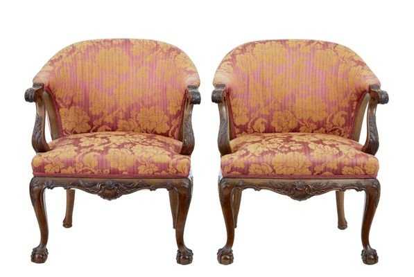 Antique Carved Walnut Club Chairs, Set of 2 1 - Antique Carved Walnut Club Chairs, Set Of 2 For Sale At Pamono