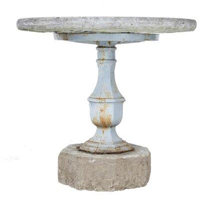 Antiker Schwedischer Gartentisch Mit Basis Aus Stein Und Eisen Bei