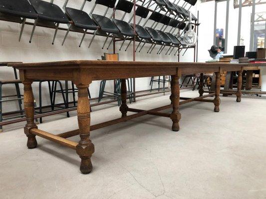 Mesa de comedor industrial vintage larga en venta en Pamono