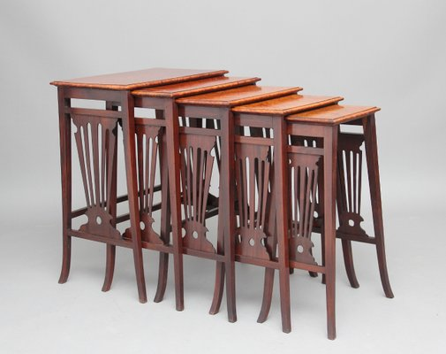 Antique Teak and Burr Walnut Nesting Tables, Set of 5 1 - Antique Teak And Burr Walnut Nesting Tables, Set Of 5 For Sale At Pamono