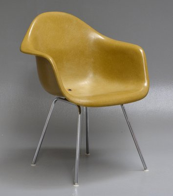 Poltrona Charles Eames Prezzo.Poltrona Dax Vintage Di Charles Ray Eames Per Herman Miller In