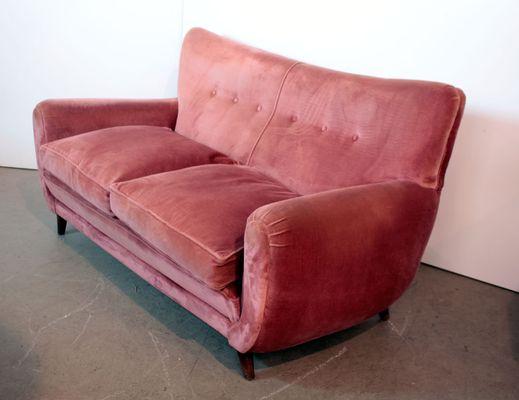 Divano Maria Rosa : Divano a posti in velluto rosa anni in vendita su pamono