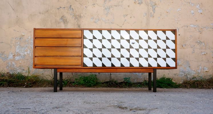 Langes Sideboard lackiertes sideboard aus teak, 1960er bei pamono kaufen