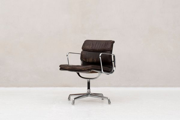 Soft Pad Aluminum Group Desk Chair By Charles Ray Eames For Herman Miller 1960s