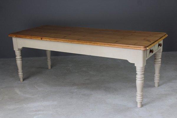 Mesa de cocina antigua grande de pino en venta en Pamono