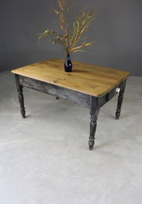 Antique Pine Kitchen Table For At Pamono Knotty