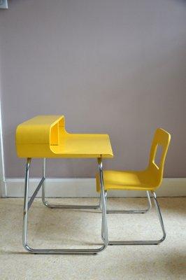 Chaise Et Bureau Pour Enfant Space Age Vintage 1