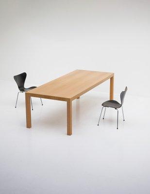 Mesa de comedor minimalista de roble, años 70