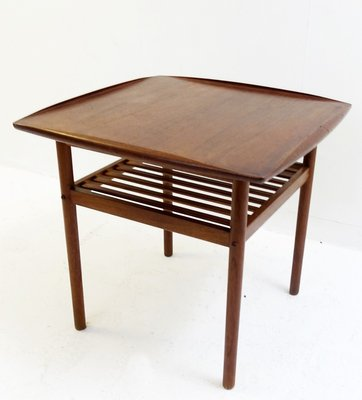 Niedriger Skandinavischer Tisch Aus Teak 1960er Bei Pamono Kaufen