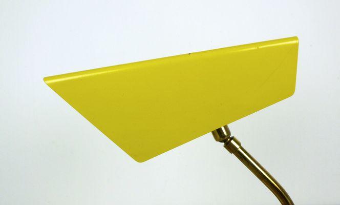 Lampe de bureau jaune 1950s en vente sur pamono