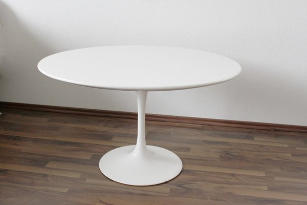 Vintage Tulip Coffee Table By Eero Saarinen For Knoll