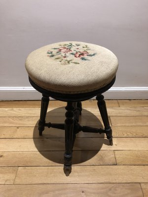Tremendous Antique Napoleon Iii Piano Stool With Roses Tapestry Machost Co Dining Chair Design Ideas Machostcouk