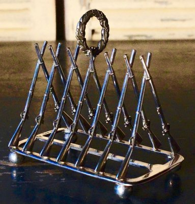 VINTAGE SILVER PLATED SHORT TOAST RACK ARTHUR PRICE OF ENGLAND