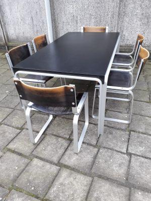 Mesa de comedor vintage con seis sillas de Pierre Mazairac para ...