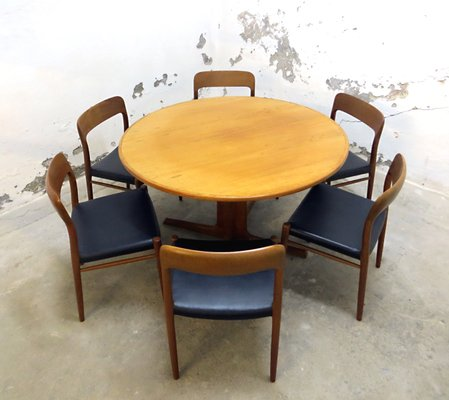 Danish Teak No 75 Dining Table With 6 Chairs By Niels Otto Moller