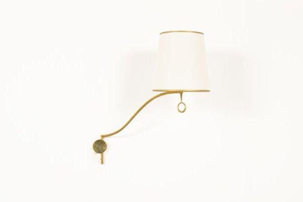 Applique in ottone con paralume beige anni 50 in vendita su pamono